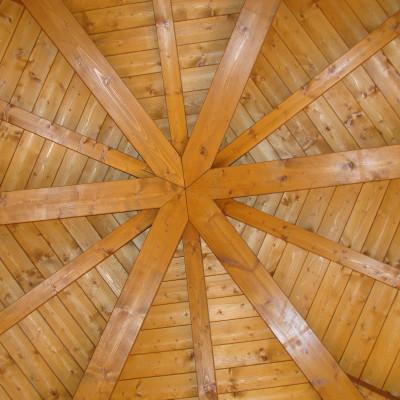 Copertura in legno a forma di esagono