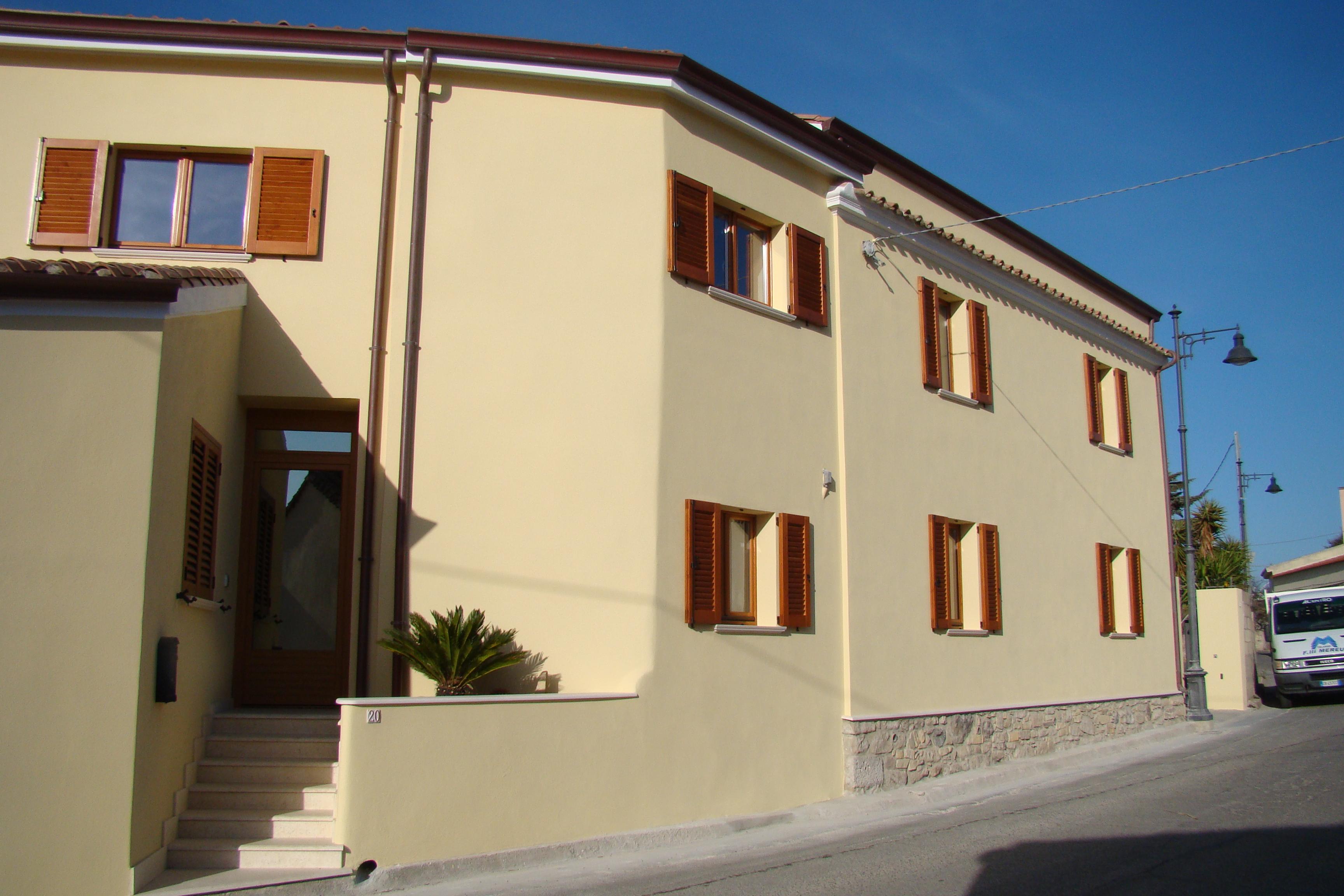 Casa unifamiliare turri vs tre emme service for Tre case di pietra