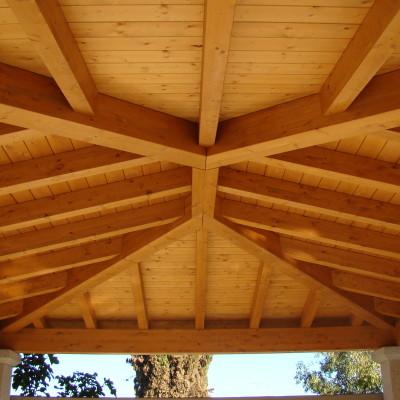 Copertura in legno di un loggiato