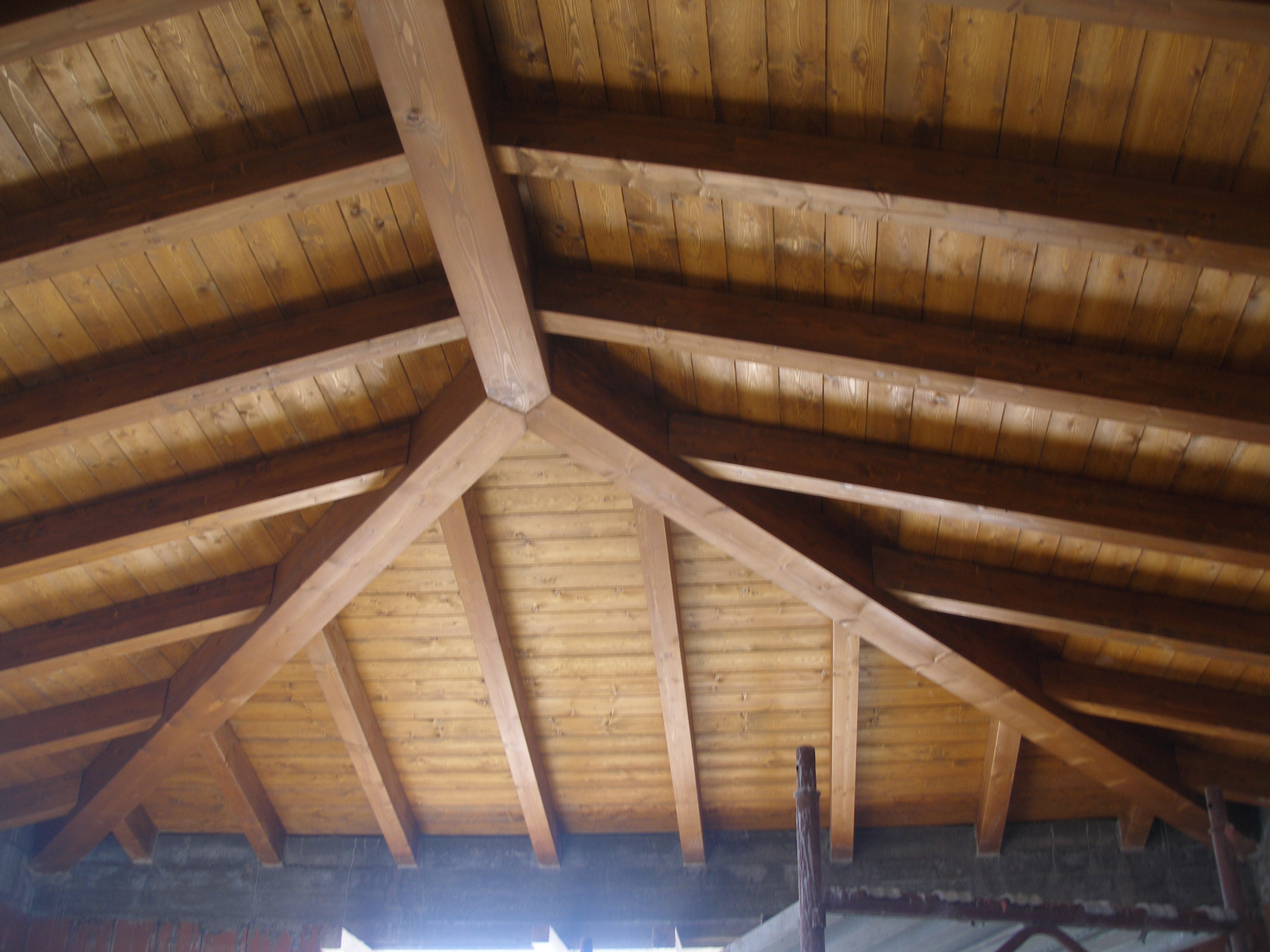 Copertura in legno casa unifamiliare tre emme service - Copertura a tetto ...